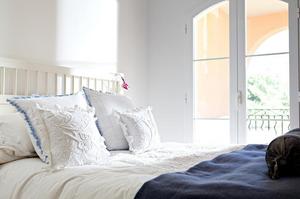 Queen size Fox mattress bed