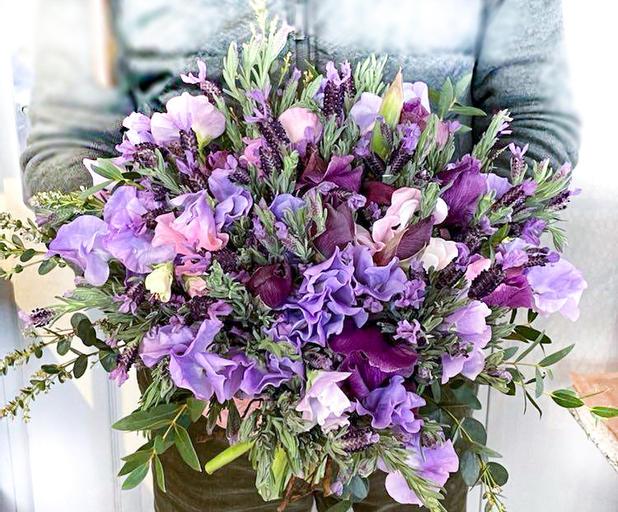 Bouquet aux tonalités violines