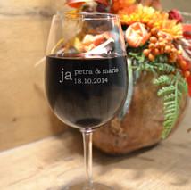 Weinglas graviert