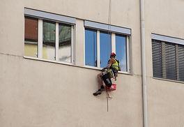 window-cleaner.jpg