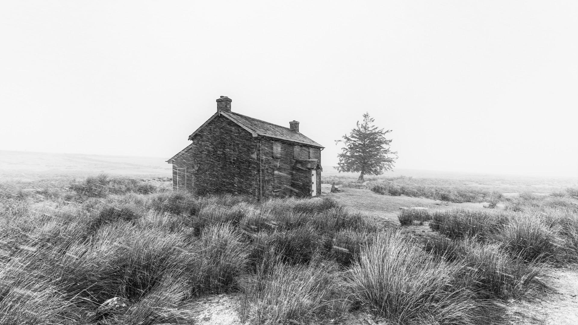Nuns Cross Farm (Black & White) 2018
