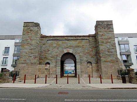 new gaol gate.jpg