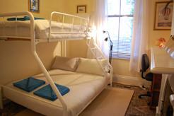 Bunk Bedroom-double+single bed