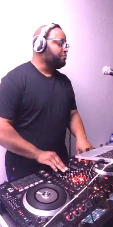 Facebook Live Quarentine R&B/Hip-Hop
