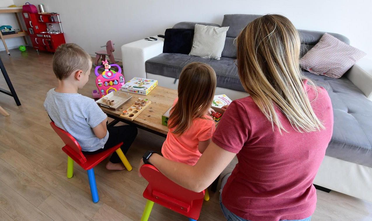 Les mesures exceptionnelles appliquées aux assistants maternels et gardes d'enfants