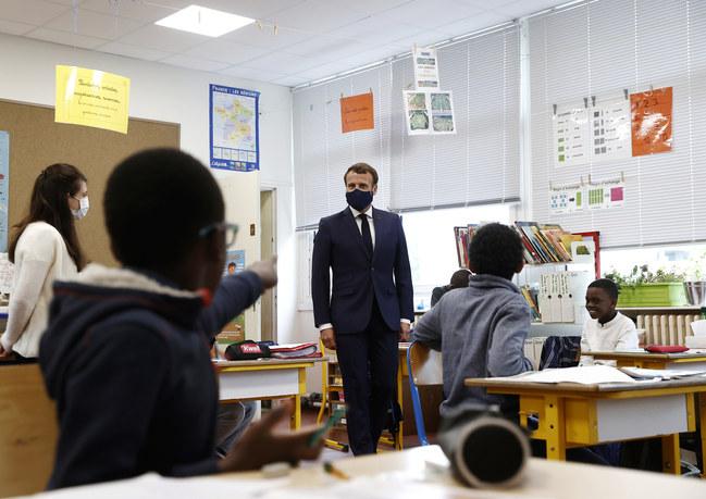 Déplacement du Président de la République dans une école élémentaire des Yvelines (5 mai)