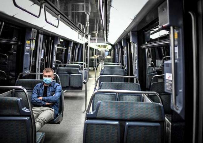 Déconfinement Île-de-France : attestations de déplacement dans les transports en commun aux heures de pointe