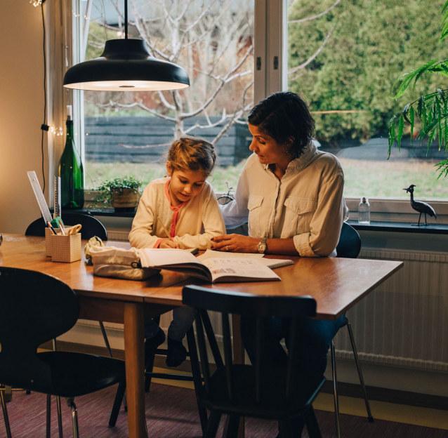 Continuité éducative : plan de soutien de 15 M€ pour les quartiers prioritaires.