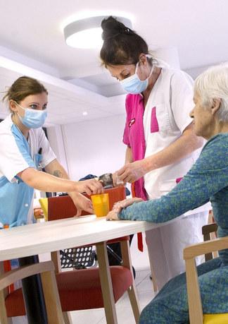 Assouplissement supplémentaire des visites dans les établissements pour personnes âgées