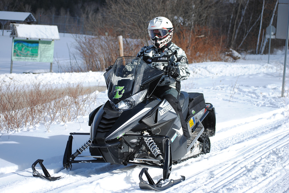 Went snowmobile riding with Brian Currier this weekend wearing the new 365 thermal goggles.  Check out the new home page video.