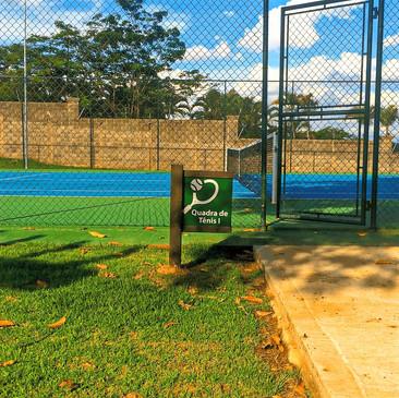 Sinalização em Madeira Plástica para o Condomínio Helvetia Park