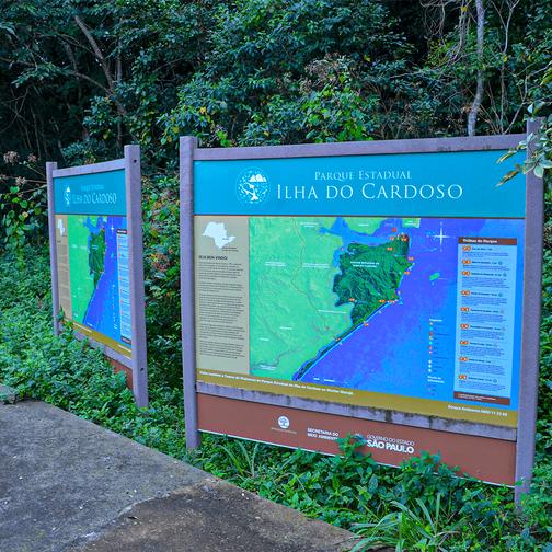 Sinalização em Madeira Plástica para o Parque Estadual Ilha do Cardoso
