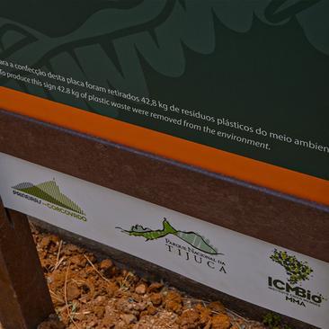 Sinalização em Madeira Plástica para o Corcovado Cristo Redentor - Rio de Janeiro