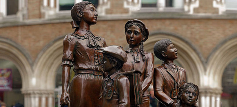 Kindertransport memorial statue