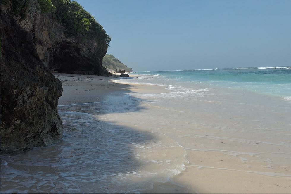 PANDAWA BEACH-02.png