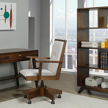 3 Tips for Staging and Decorating Your Home-Based Office for Virtual and In-Person Meetings