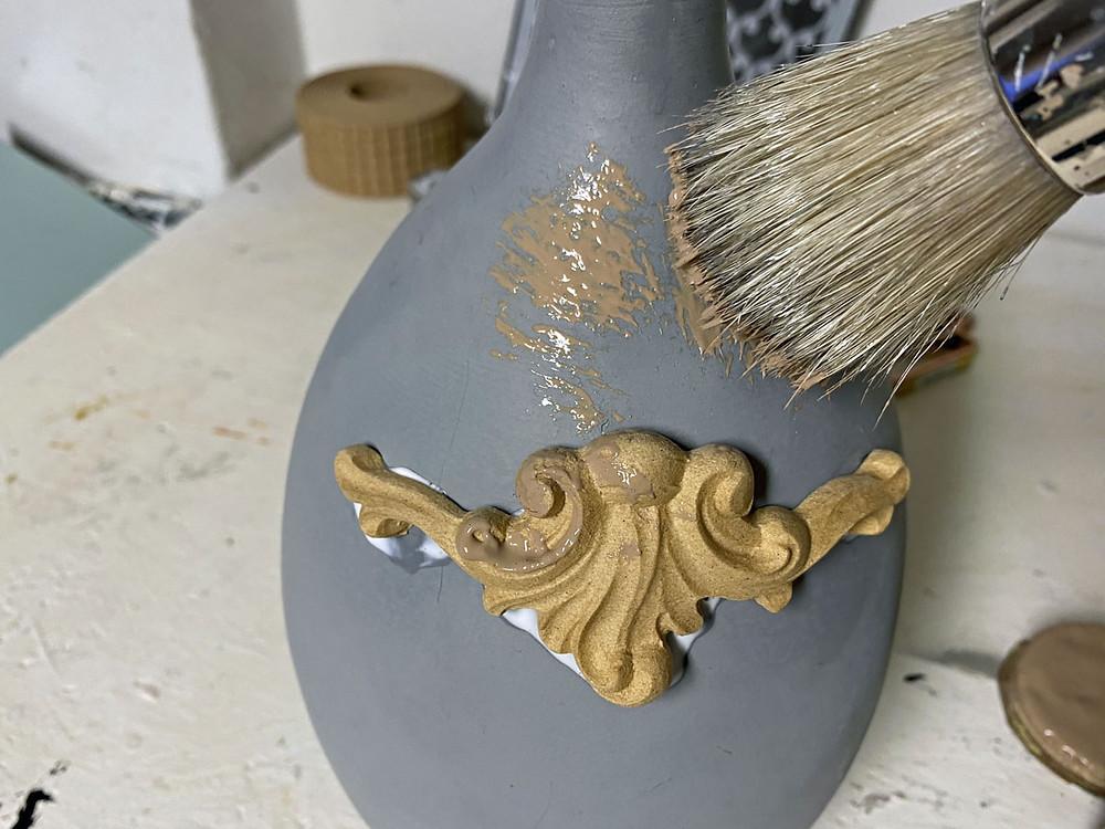 Vase streichen mit Kreidefarbe und Woodubend