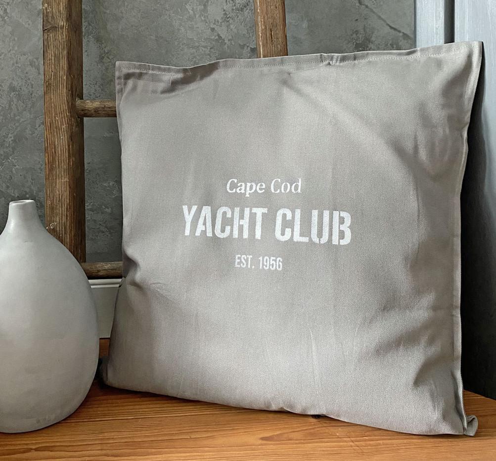 Beispiel-Yacht-Club.jpg