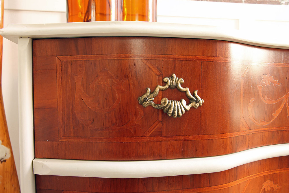 Möbel upcycling mit Fusion Mineral Paint und Schablone