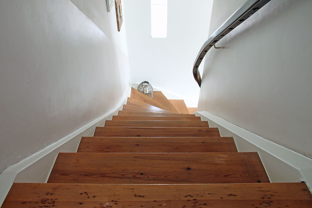Treppe streichen mit Kreidefarbe