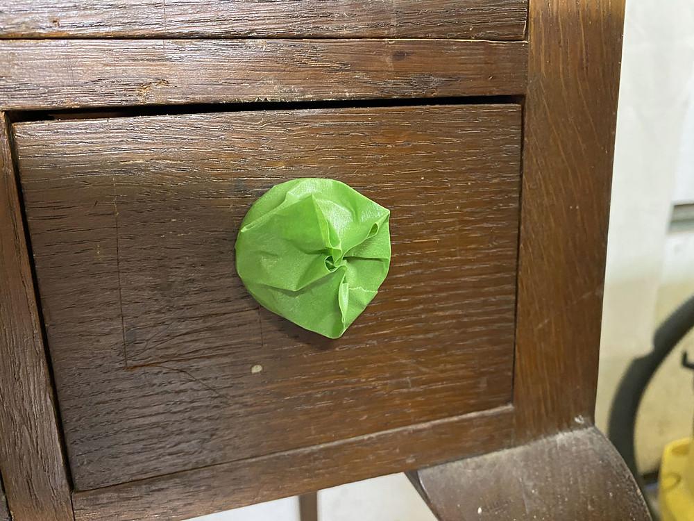 Möbelstück abkleben vor dem Streichen
