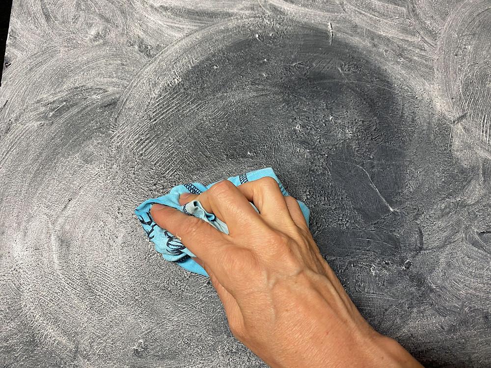 Tafel gestalten mit Kreidefarbe