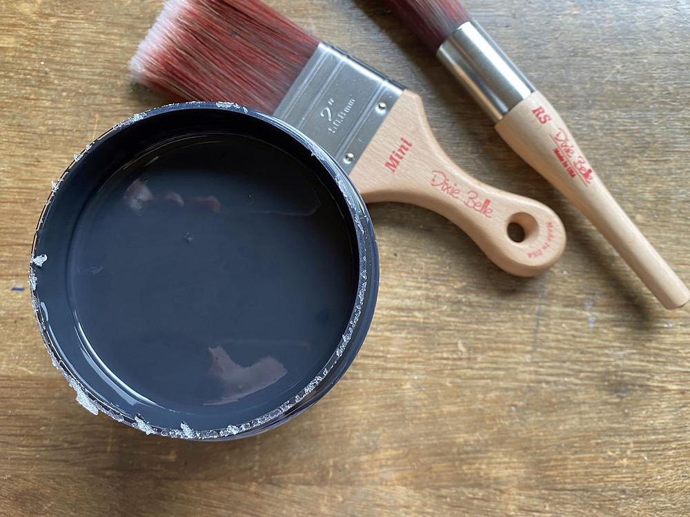 Dixie Belle Paint Caviar gonepaintin