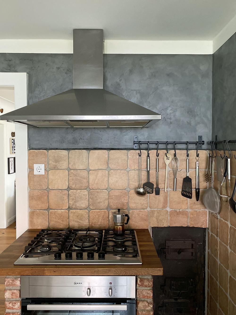 Küche renovieren mit Wandfarbe und Kreidefarbe