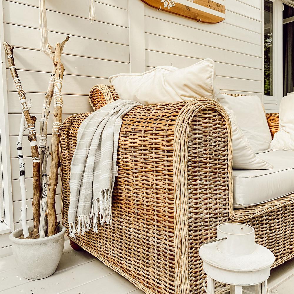 DIY Deko für die Terrasse im tribal Stil mit Holz und Farbe