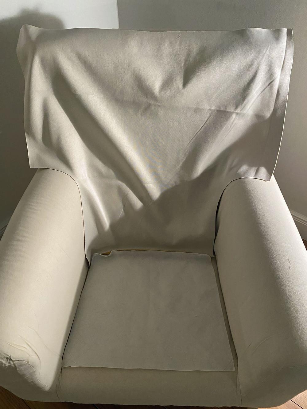 einen Sessel neu beziehen
