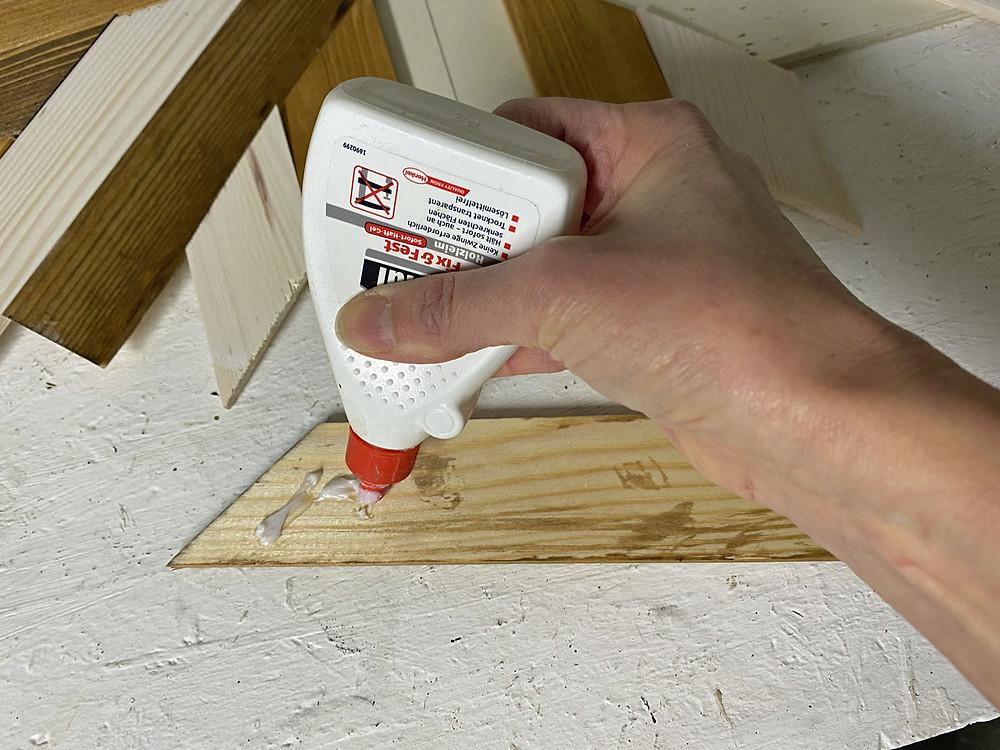 Holzkleber für DIY Tablett