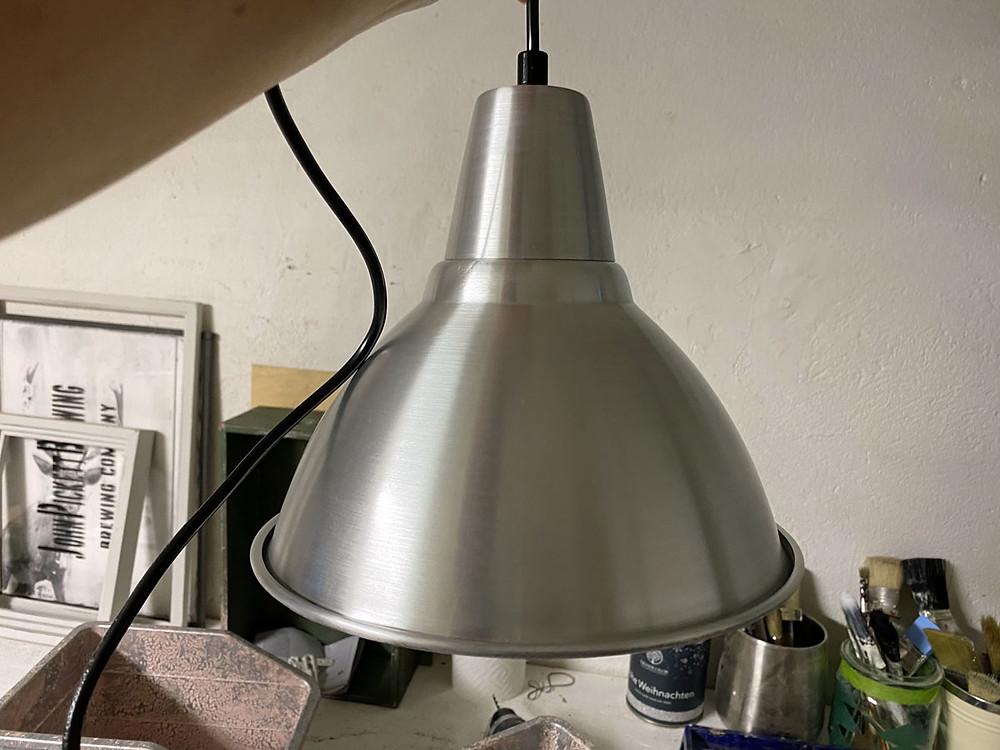 Lampe streichen mit Kreidefarbe