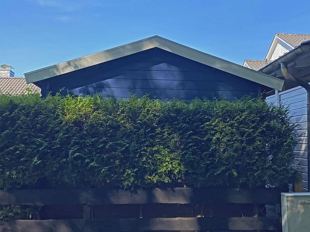 Gartenhaus streichen mit Bondex shabby chic