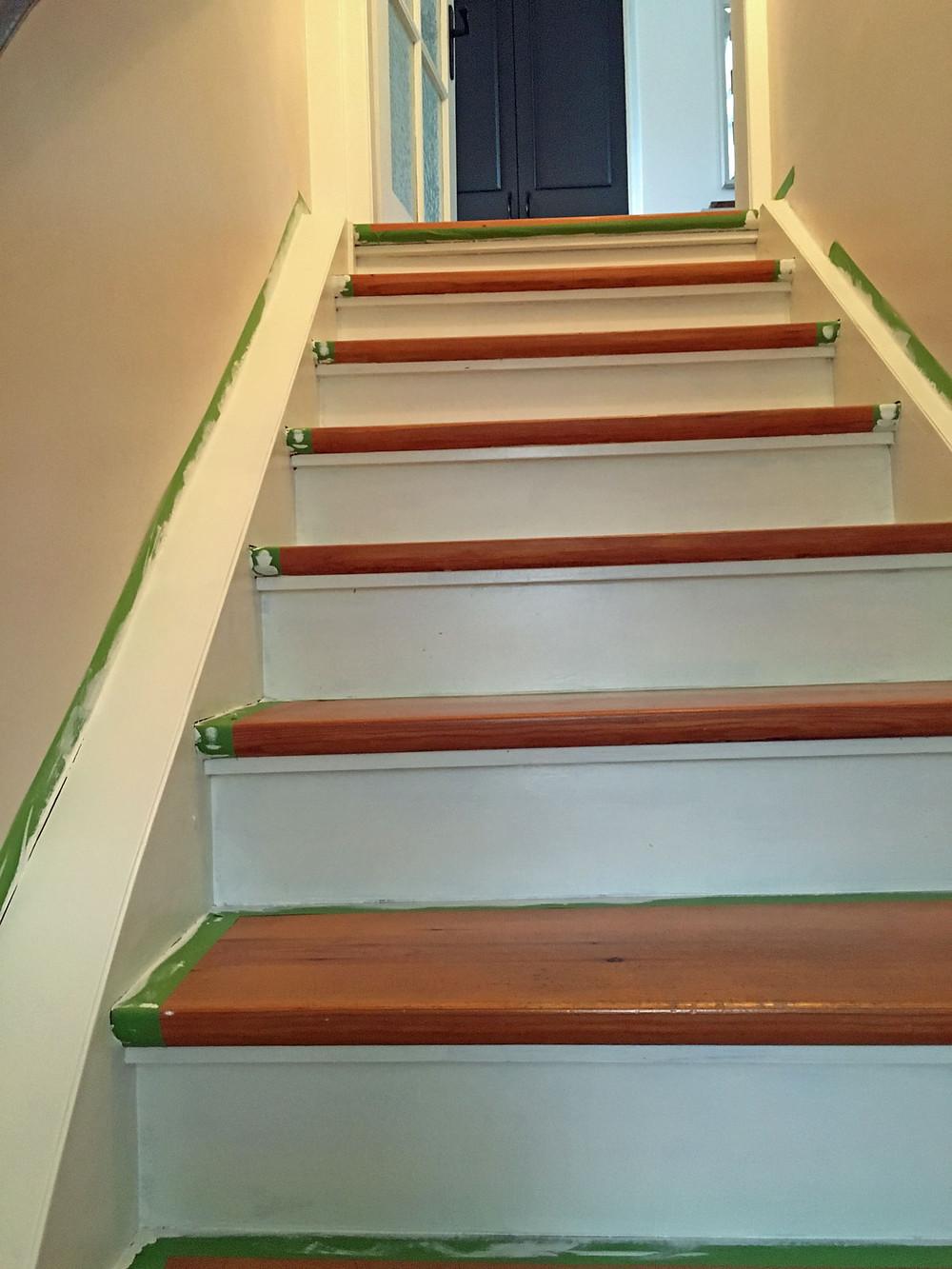 Treppe lackieren mit Kreidefarbe