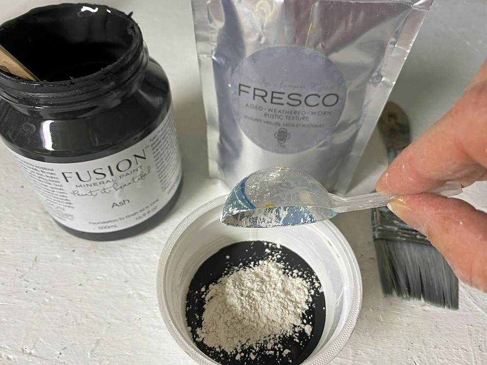 Fusion Mineral Paint Fresco Strukturpulver mischen