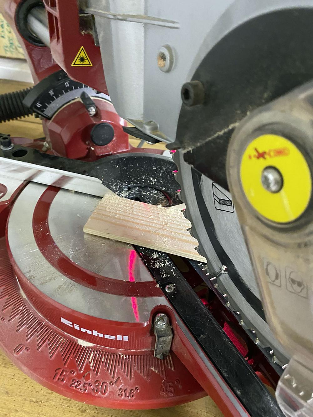 Teile zusägen für DIY Holztablett