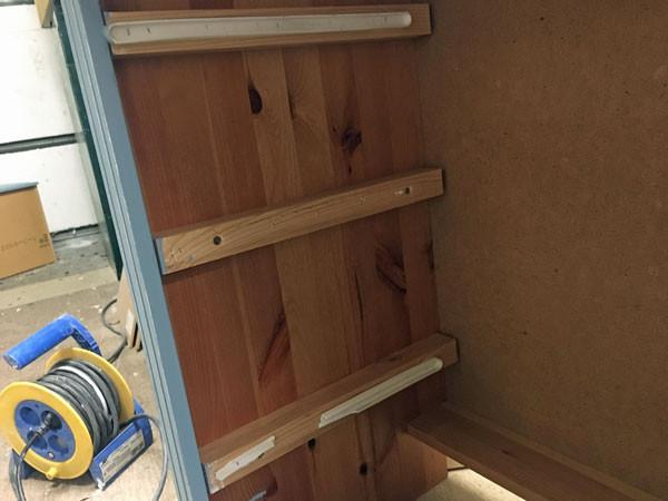 Schubladen reparieren für Möbel streichen