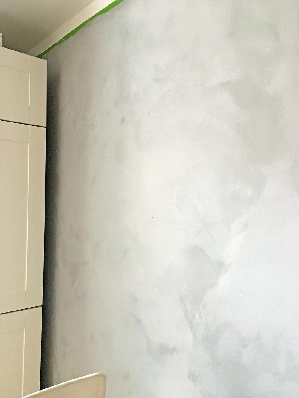 Wand streichen mit Pure and Original Fresco Kalkfarbe