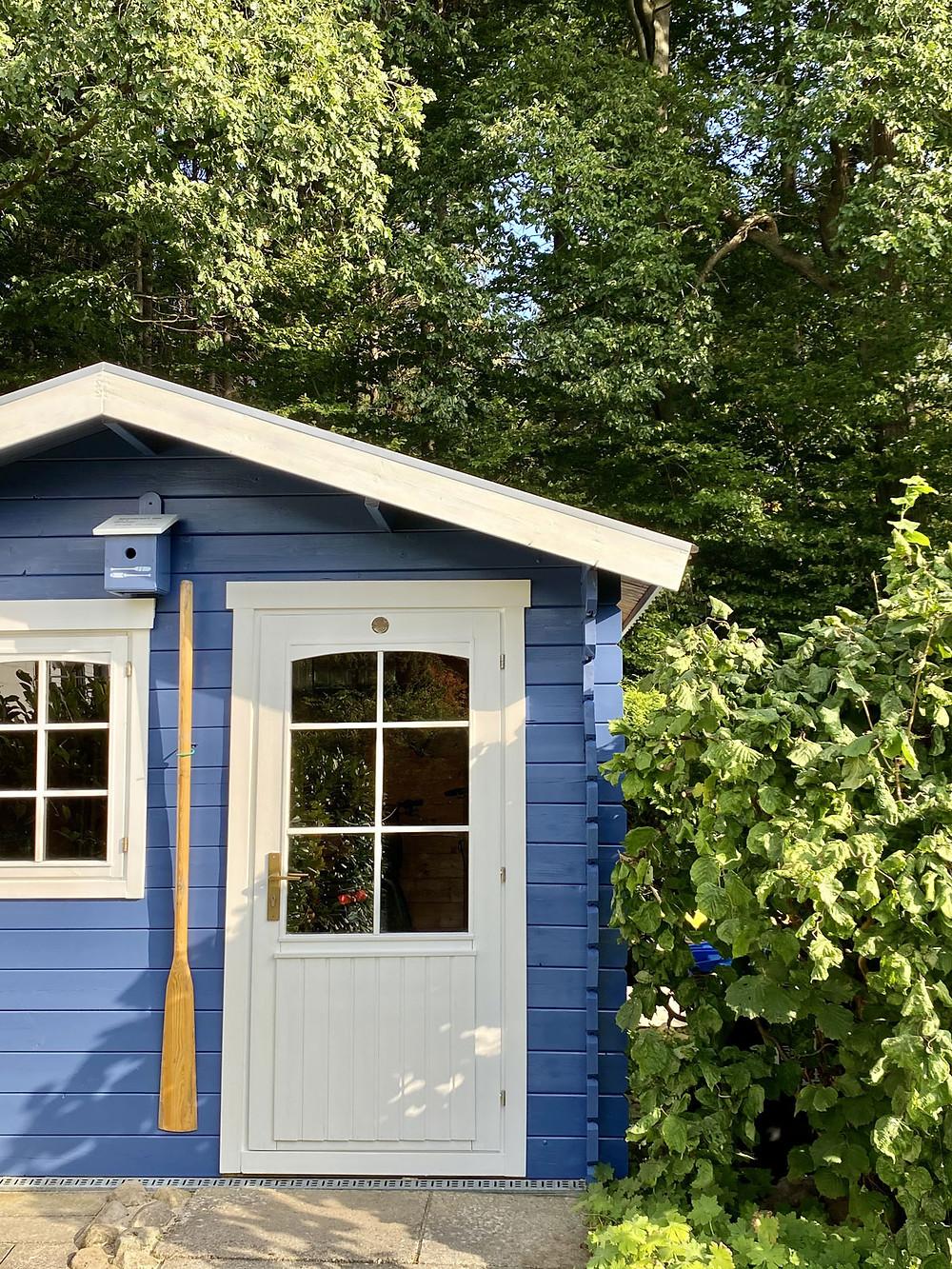 Gartenhaus mit neuer Farbe