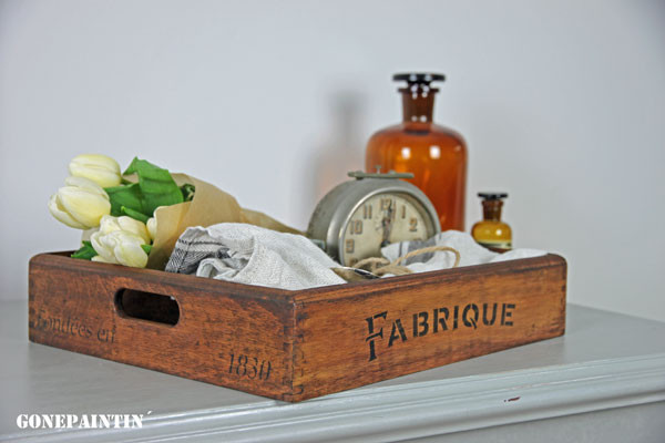 Farmhouse Tablett im antiken Stil