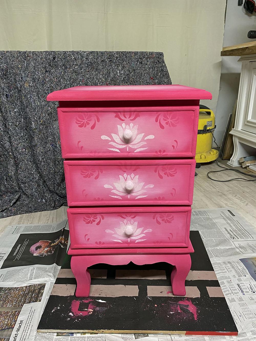 Farbverlauf und Blending mit Annie Sloan Capri Pink Kreidefarbe