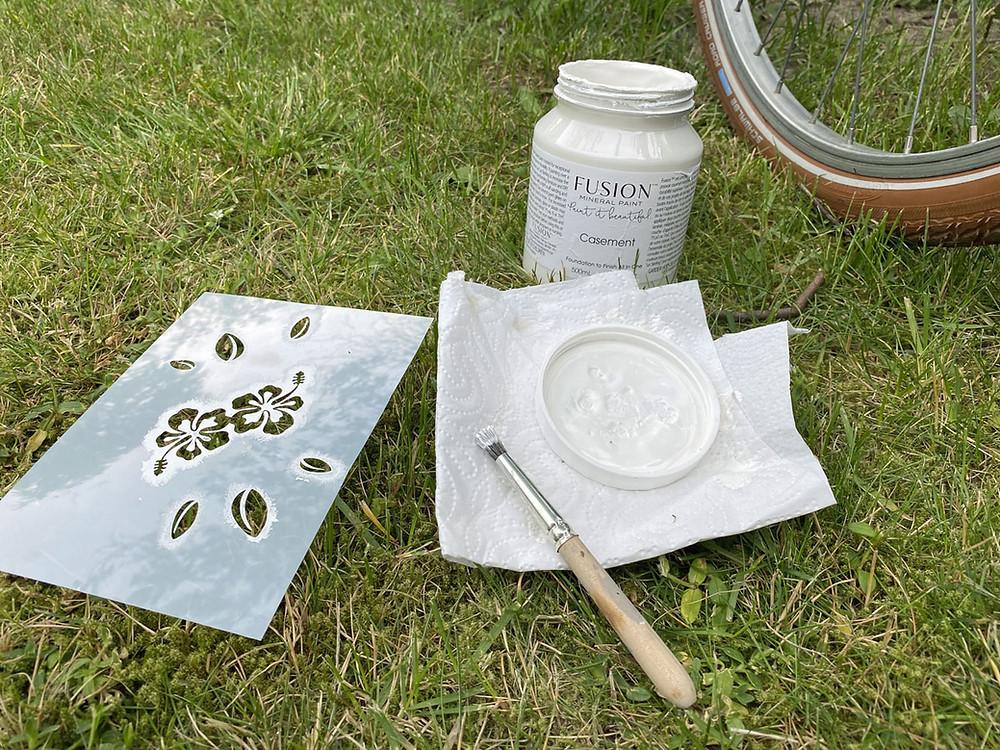 Fahrrad streichen mit Schablone
