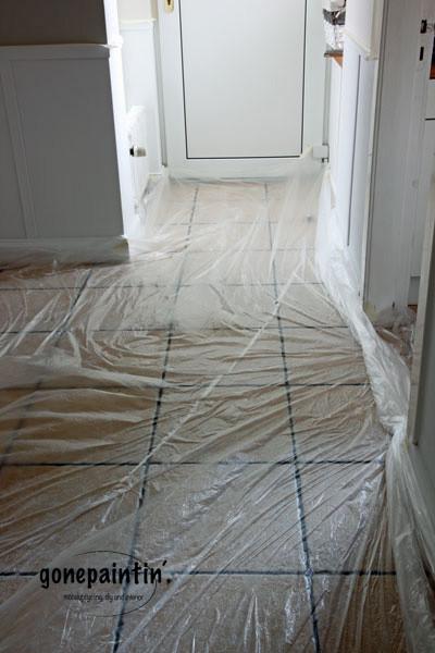 Fußboden abkleben beim Wändestreichen