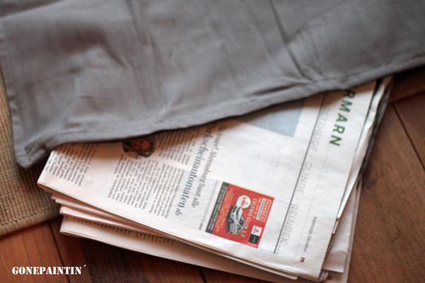 Kissen mit Zeitung schützen vor dem Stempeln