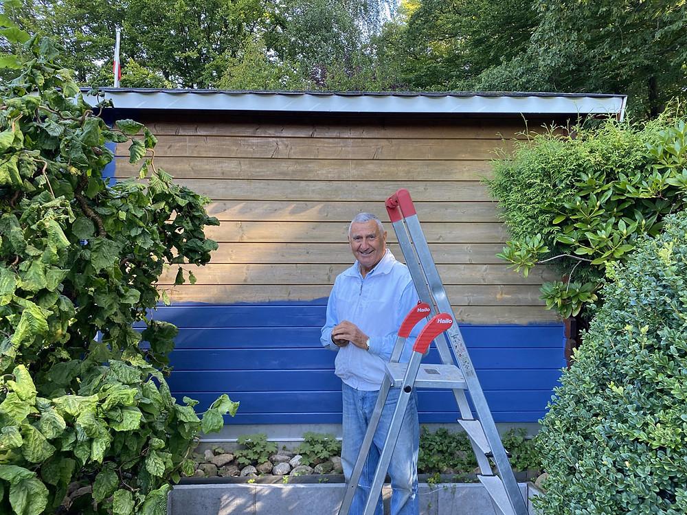 Gartenhütte streichen