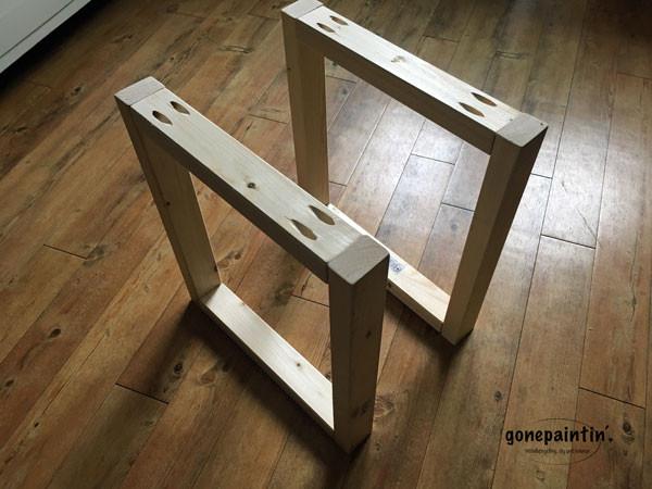 TV Tisch Regal selber bauen im Landhausstil mit Kreidefarbe