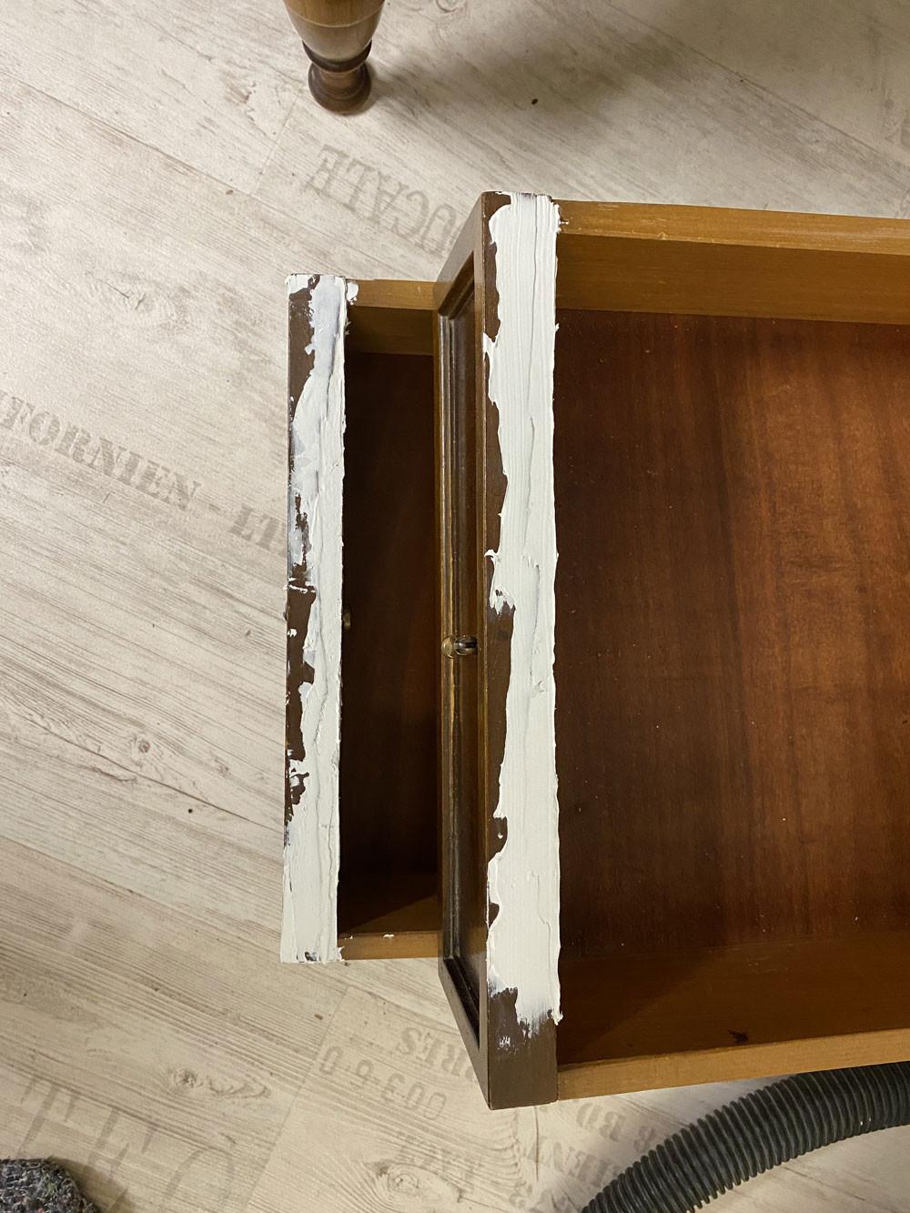 Reparatur mit Holzspachtel