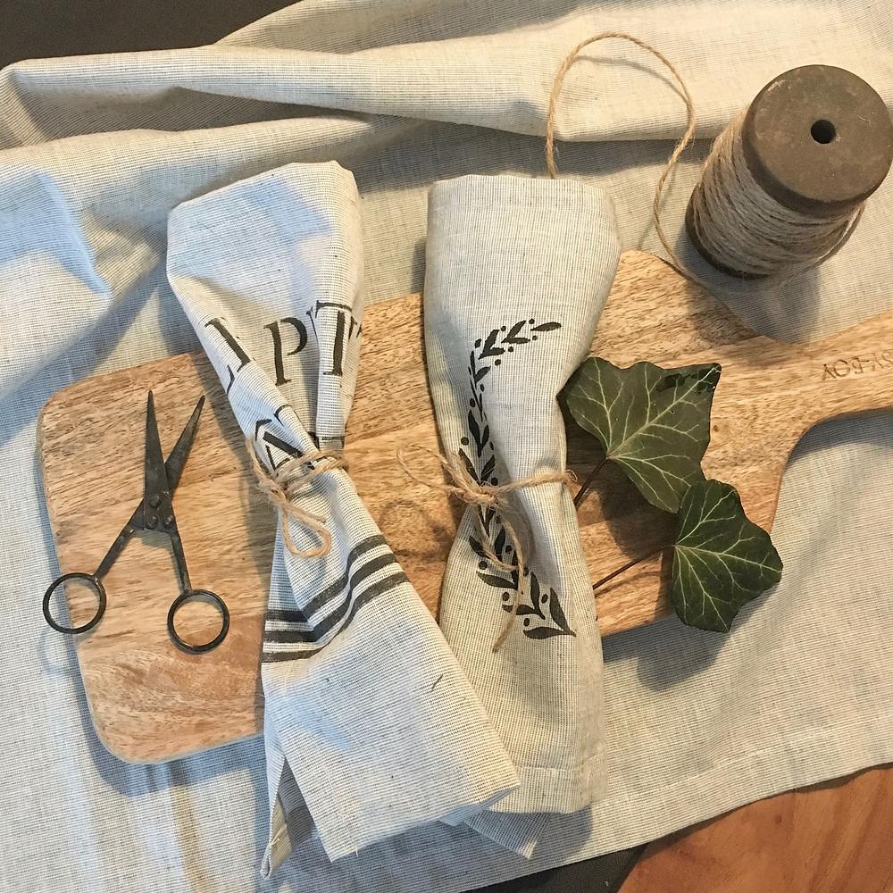 DIY Servietten mit Schablone und Fusion Mineral Paint