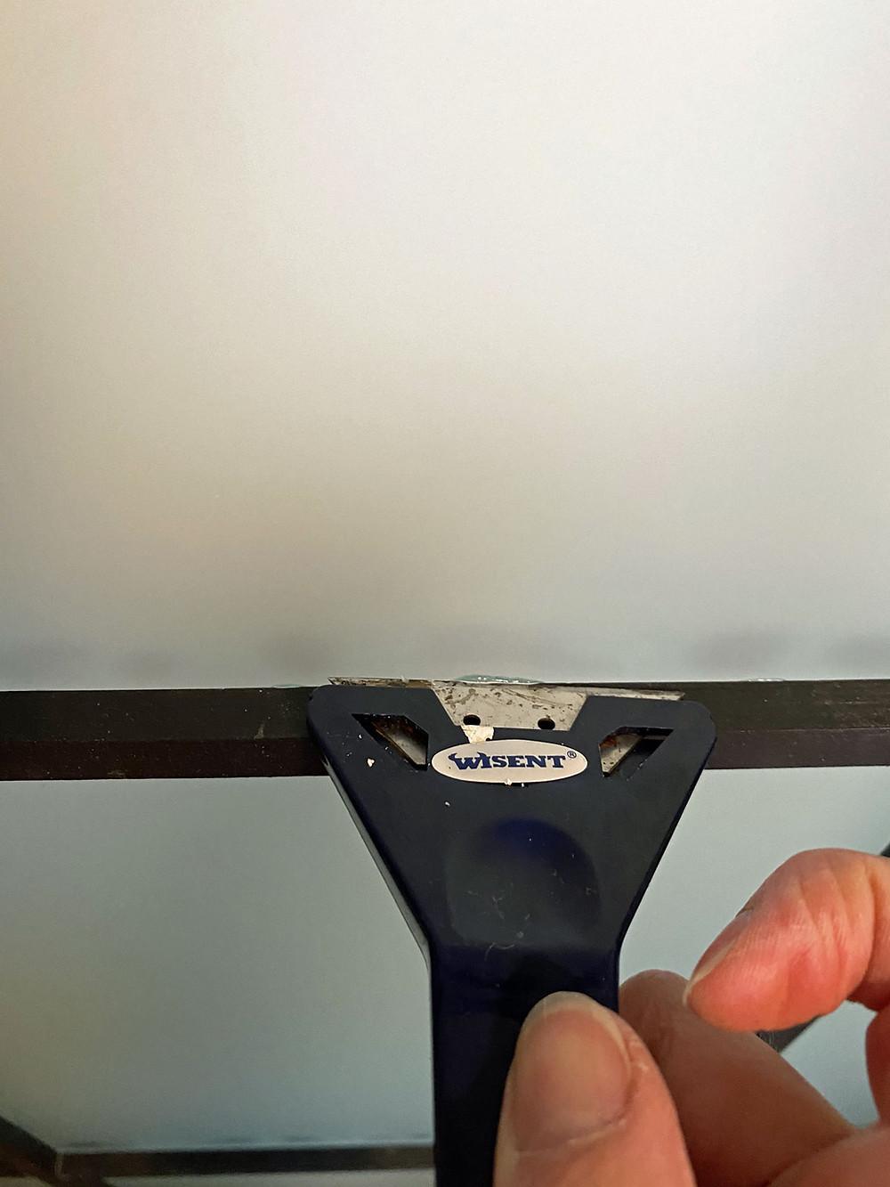 Klebereste entfernen an DIY Crittall Tür