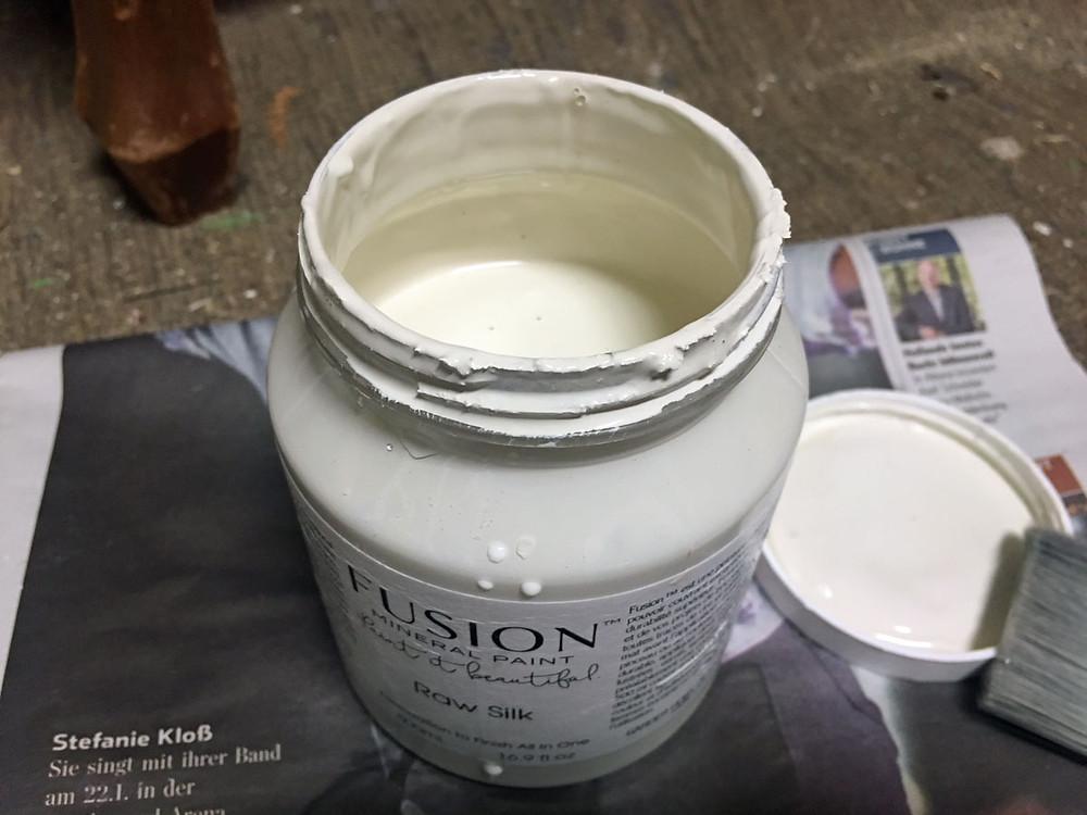 Möbel streichen mit Fusion Mineral Paint in Raw Silk